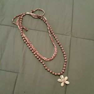 Necklace with seashell flower
